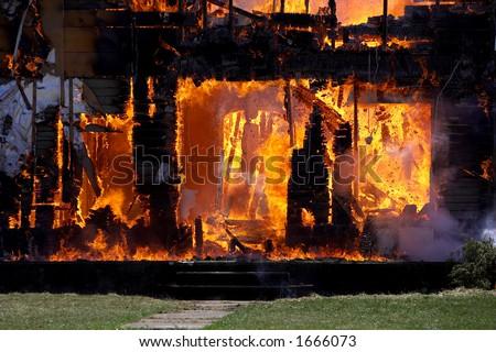Brandend Huis - stock photo