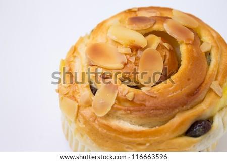 Bread almonds and raisins.