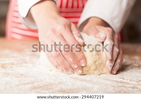 Bread, Pizza, Baking.
