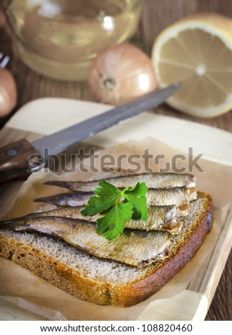 bread with fish