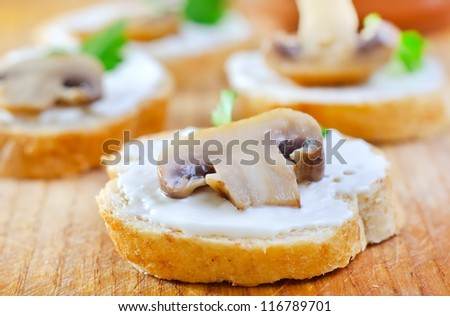 bread with mushrooms