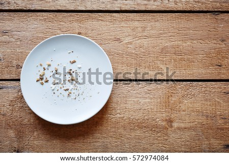 breadcrumbs on empty plate