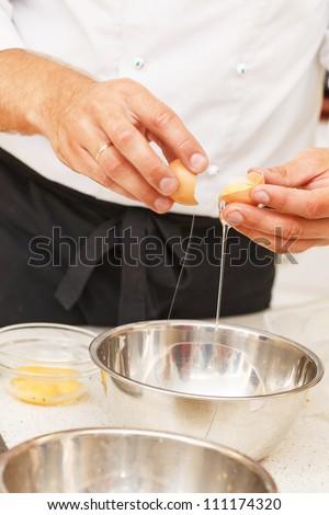 break an egg by dish