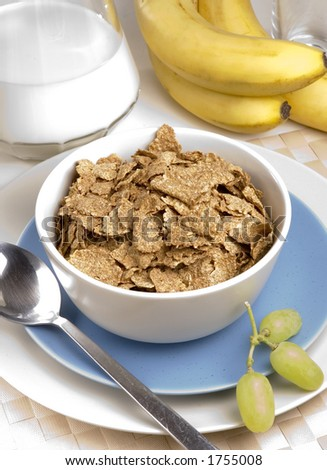 Breakfast Bran Flakes with grapes and bananas