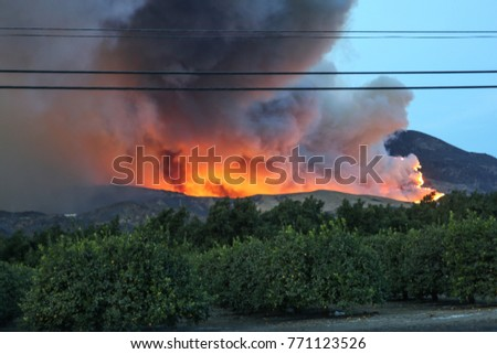 Breathing the air in Ventura county, California in December 2017 feels like chain-smoking. The fuels are extremely dry.  Socall wildfire, Thomas fire