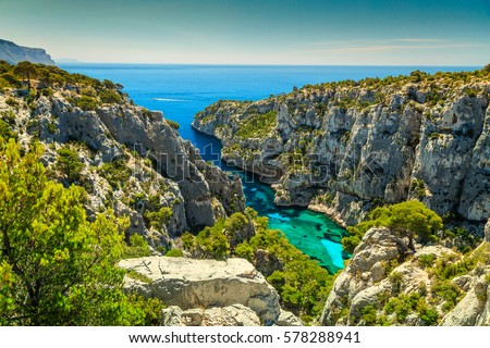 Breathtaking viewpoint on the cliffs, Calanques D'En Vau bay, Calanques National Park near Cassis fishing village, Provence, South France, Europe Photo stock ©