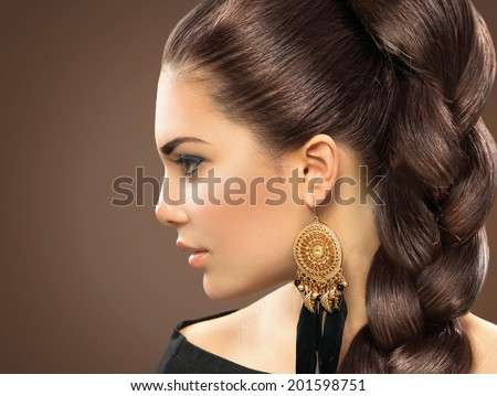 Bride hairstyle Beautiful Woman with Healthy Long Hair Hairdressing Hairstyle Beauty Glamour Fashion Model Girl Portrait Perfect Skin and Makeup