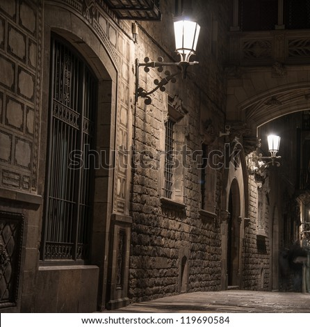Bridge at Carrer del Bisbe in Barri Gotic Barcelona