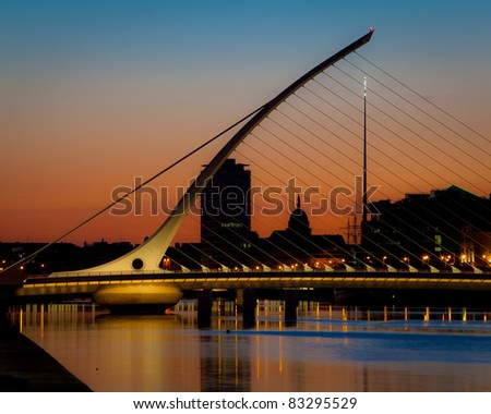 Bridge over river Liffey in Dublin at dusk