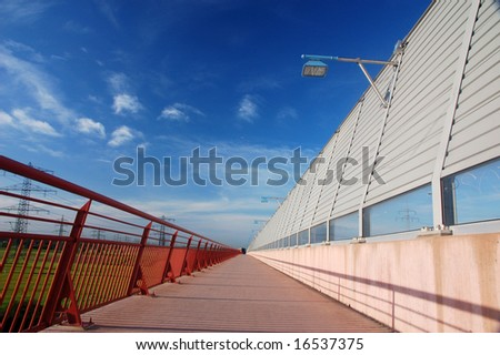 Bridge with perspective and vanishing point