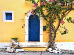 bright facades of the inhabitants of the Greek island