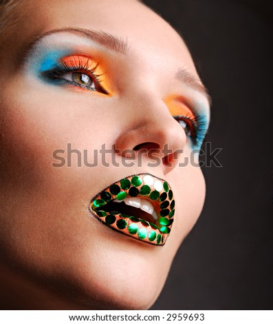 bright make up and bright colore of eyeshadow