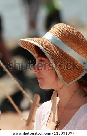 BRISBANE, AUSTRALIA - SEPTEMBER 16 : Unidentified woman in period re-enactment costume as part of the Redcliffe First Settlement Festival on September 16, 2012 in Brisbane, Australia