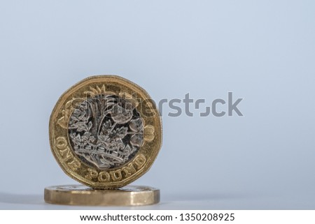 British Sterling one pound coin #1350208925