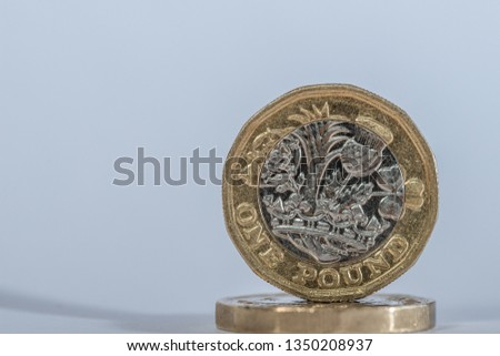 British Sterling one pound coin #1350208937