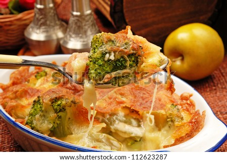 Broccoli gratin with melted cheese