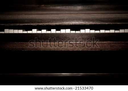Broken old, vintage piano with keys at different positions