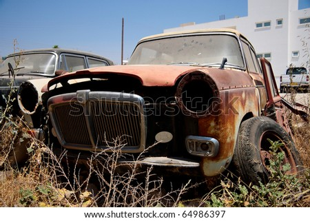 broken rusty car