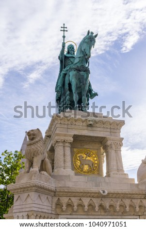 Bronze Statue of Saint Stephen or King Stephen I in front of The Matthias Church near the Fisherman's Bastion at the heart of Buda's Castle District, Budapest, Hungary. Stock fotó ©