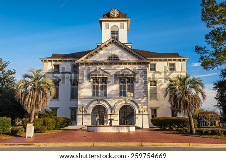 Brooks County Courthouse in Quitman, GA. It was built during the Civil War and is an example of Renaissance Revival and Romanesque Revival architecture.