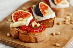 Bruschetta toast with cheese, fig, jam