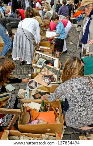 BRUSSELS, BELGIUM - MAY 22: Flea market at Place du Jeu de Balle on May 22, 2011 in Brussels, Belgium. The market takes place daily and is popular among local people and tourists.
