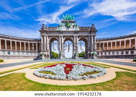 Brussels, Belgium. Parc du Cinquantenaire with the triumphal arch. Photo stock ©