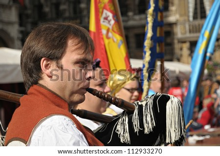 BRUSSELS, BELGIUM-SEPTEMBER 15: Grupo Folklorico Centro Asturiano de Bruselas participate in show on Grand Place during 12 edition of Folklorissimo Festival on September 15, 2012 in Brussels, Belgium