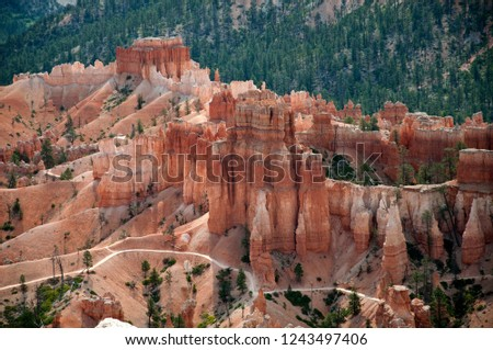 Bryce Canyon, USA, view from lookout point to hiking paths
