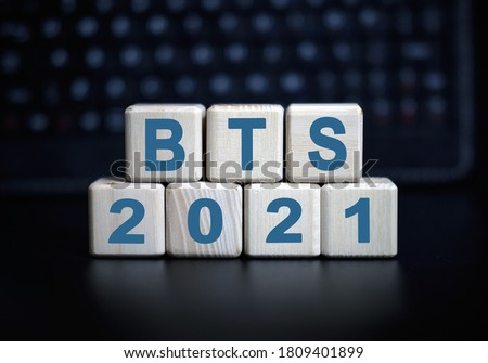 BTS- text in 2021 concept. Wooden cubes on a black keyboard Stock fotó ©