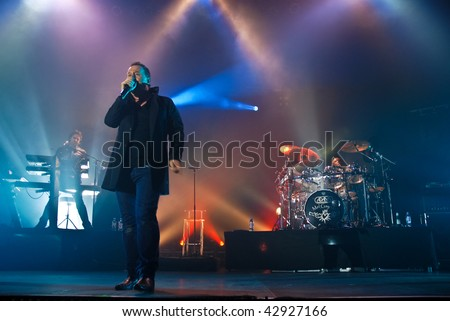 BUCHAREST, ROMANIA - DEC 15 : Simple Minds performs at Sala Polivalenta December 15, 2009 in Bucharest.