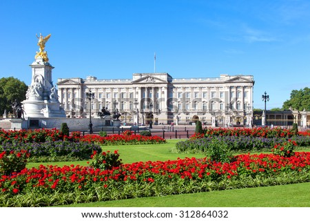 Buckingham Palace in London - Shutterstock ID 312864032