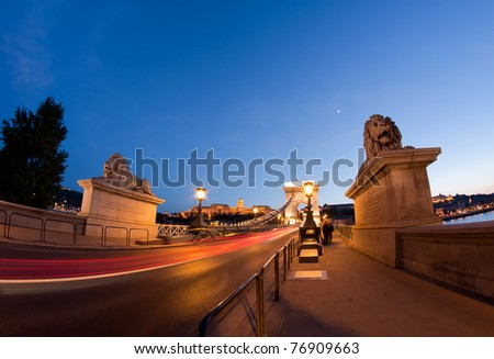 Budapest by night, Chain Bridge with traffic lights