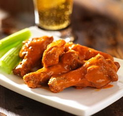 buffalo chicken wings with beer