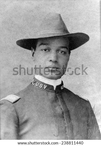Buffalo soldier. 2nd Lt. Frank R. Stewart, 8th US Volunteer Infantry, standing in front of tent, during the Spanish-American War. ca. 1898 Stock fotó ©