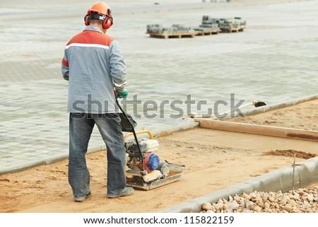 sand compactor machine