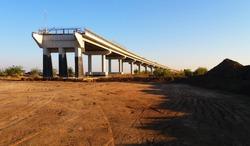 Building a bridge over a railroad