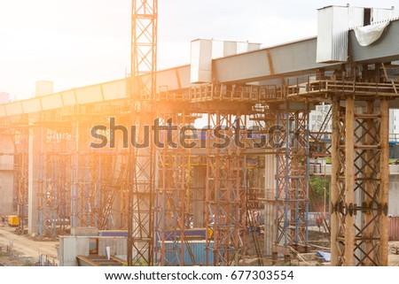 Building of the bridge shines the sun