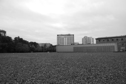 Building over gravel in the city