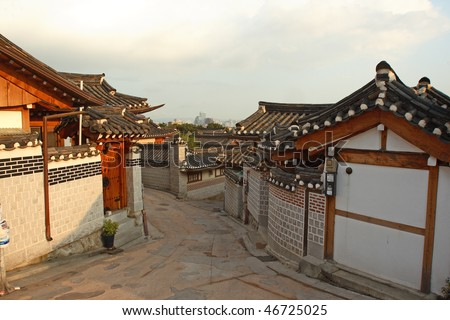 Bukchon is a unique and noted place in Seoul, KOREA.Where one can find the trace of traditional life of the ancestors through the Korean traditional houses,  alleys and the activities of artisans.