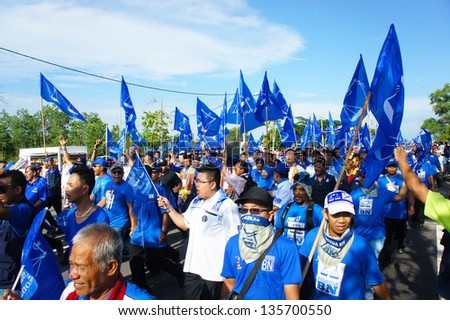 BUKIT KATIL, MALACCA, MALAYSIA-APR 20: Crowd of people show big support to Barisan Nasional political party candidate Apr 20, 2013 in Bukit Katil.An election will be held on May 5, 2013