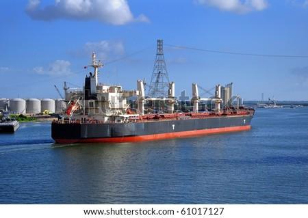 bulker-vessel entering the port