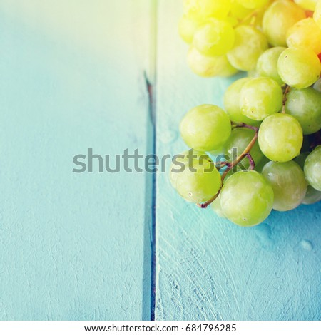 Bunch of green grapes #684796285