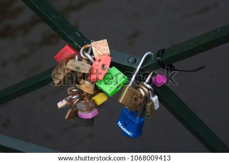 Bundle of locks that symbolize love. #1068009413