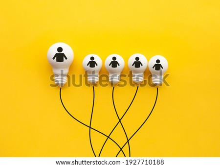 Business creativity and leadership concepts with lightbulb on yellow background.motivation for success.think big ideas Foto d'archivio ©