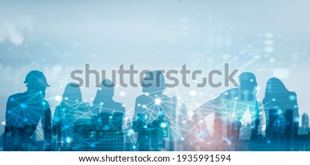 Business global network connection telecommunication technology concept, Futuristic silhouette business people group working on communication technology with internet link graphic background Foto stock ©