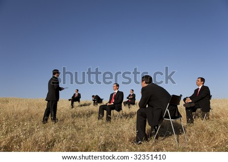 business outdoor training, with a presentation for a group of businesspeople