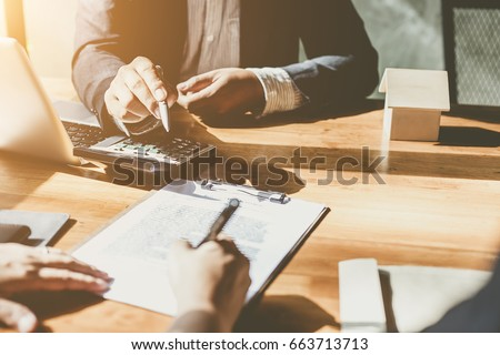 business signing a contract buy ...