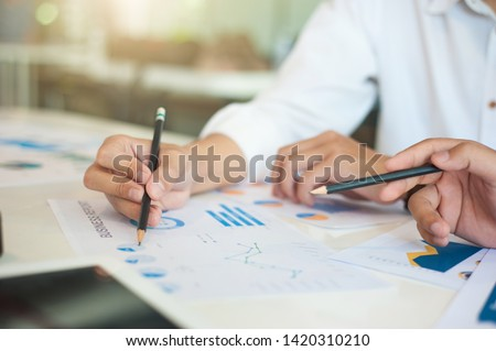 Business strategy and report analysis. Analysis of investment strategies to improve the portfolio.