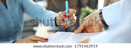 Business woman signs contract in office. Development and support of small and medium business concept Foto stock ©